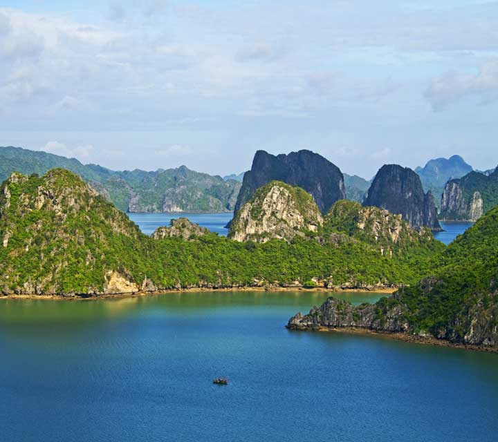 Halong bay day tour boat cruise